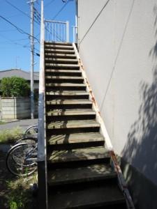 茅ヶ崎市 S様アパート 鉄骨階段交換工事 施工前