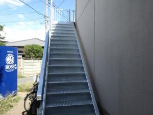 茅ヶ崎市 S様アパート 鉄骨階段交換工事施工後
