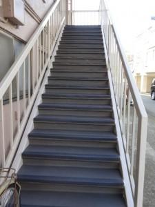 茅ヶ崎市 Kアパート 階段施工後